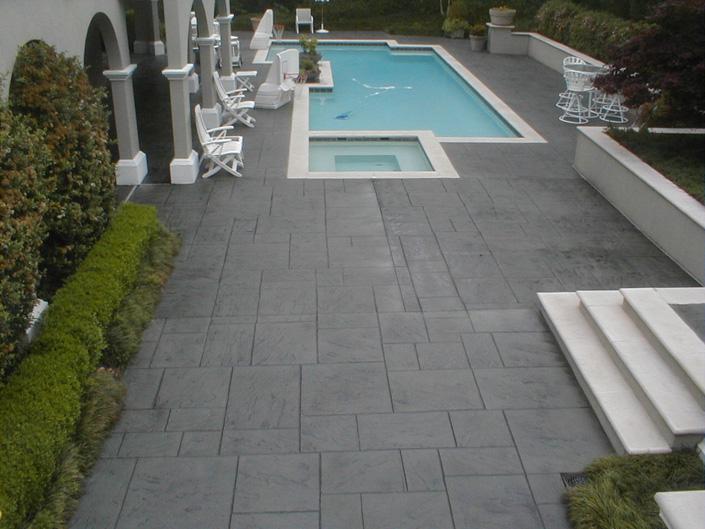Wonderful Pool Finish Ideas For You To Copy: Slip Resistant Pool Deck Decorative Concrete Pool Decks
